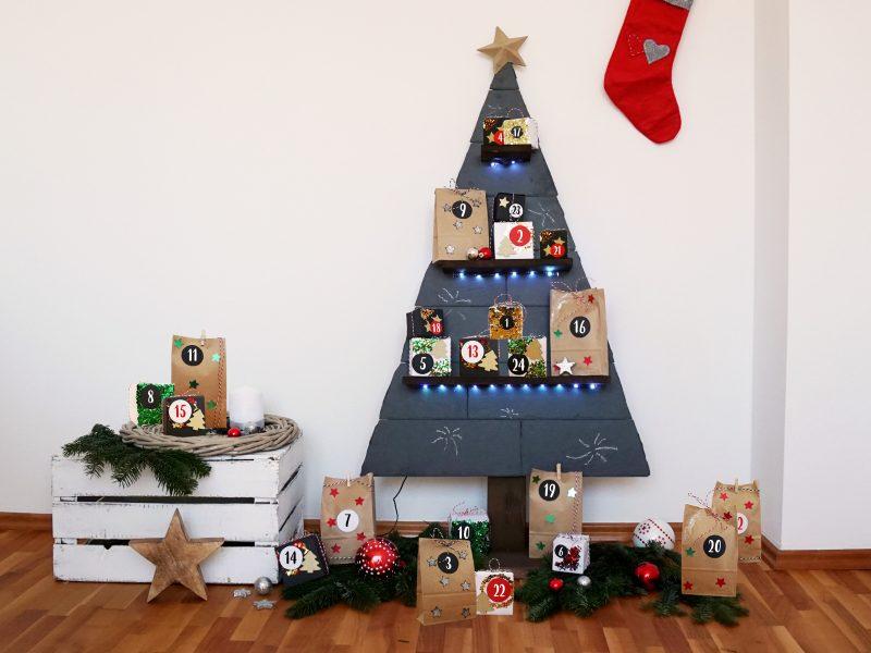 heimwerken kleben basteln bauen diy uhu kleber adventskalender weihnachtsbaum schiefer holz selbstgemacht